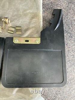 Véritable Nos Classic Ford Paire Mudflaps Cortina Mk3 Escort Mk2 Capri Mud Flaps